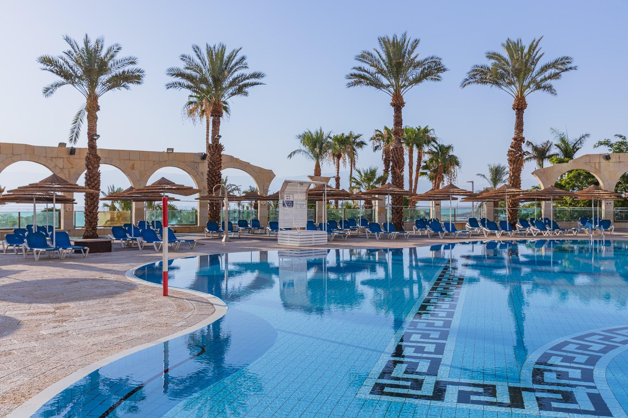 בריכת מלון דניאל ים המלח