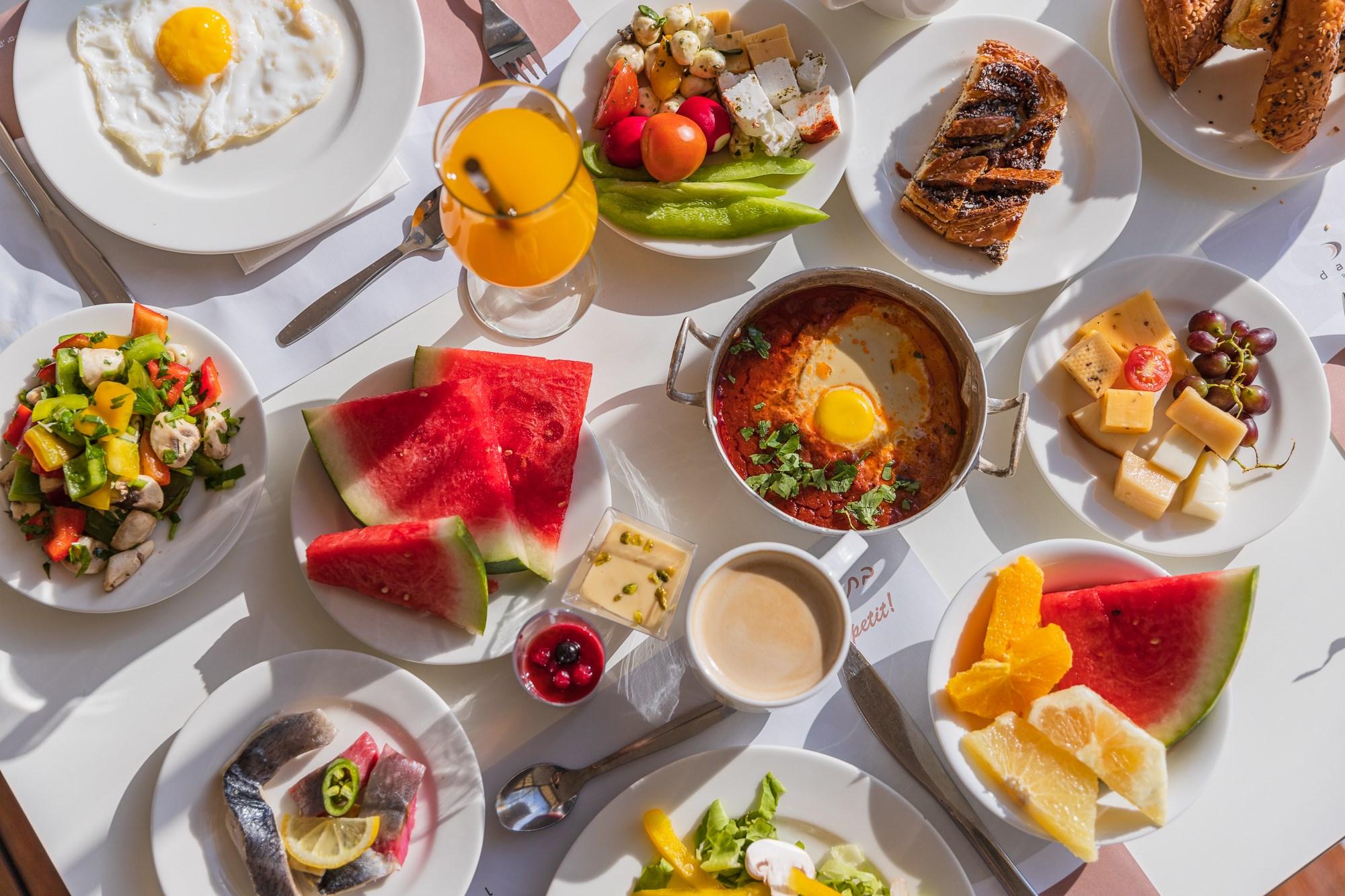 ארוחת בוקר בדניאל