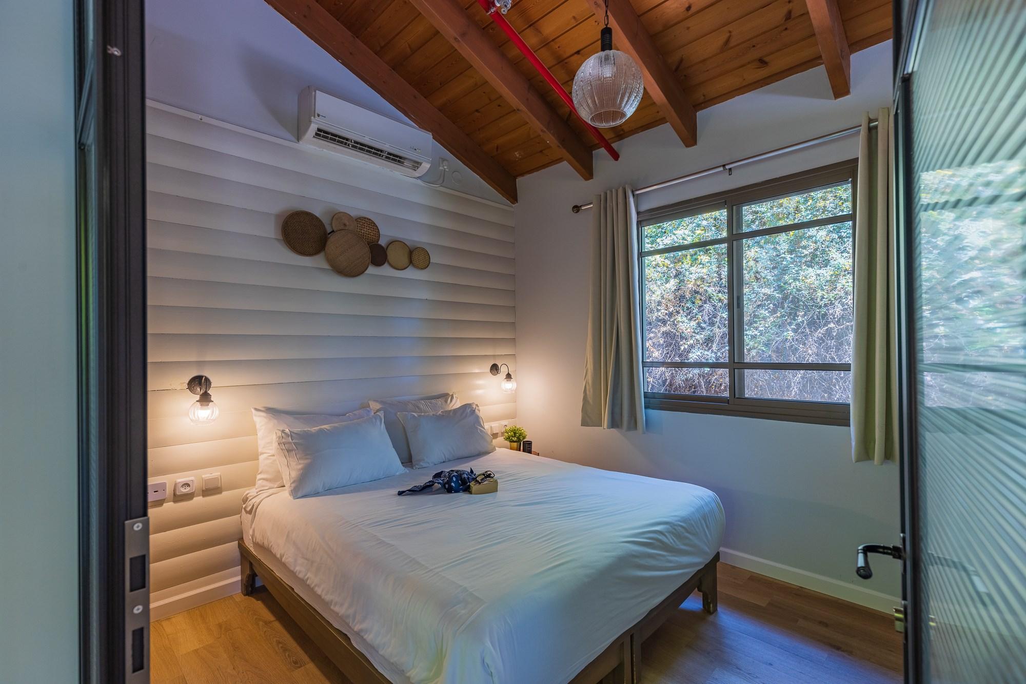 חדר שינה בבקתה החדשה